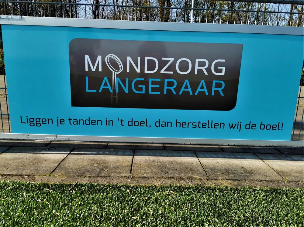 Mondzorg_Langeraar_reclamebord.jpg