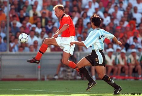 Dennis tegen Argentinie 1998