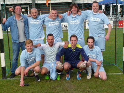 Bakkersland winnaar minivoetbal toernooi SV Grashoek 2015
