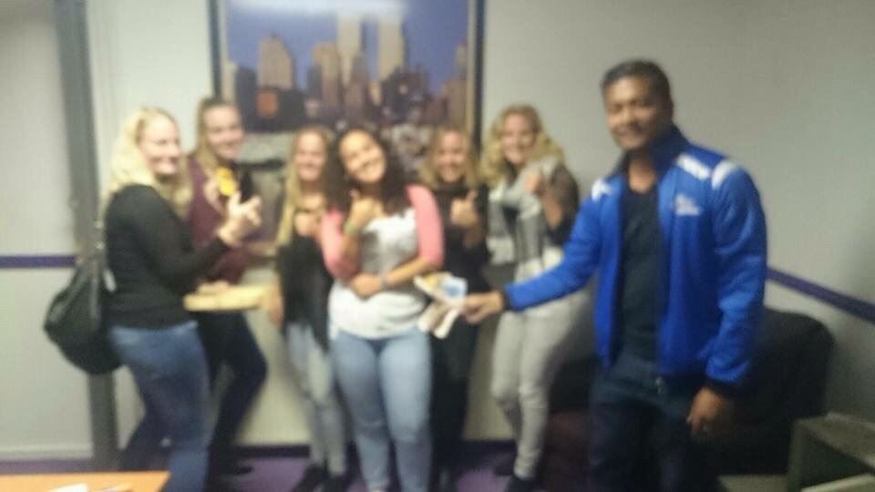 Nathalie, Melanie, Simone, Lisa, Eva, Jolijn en Winston