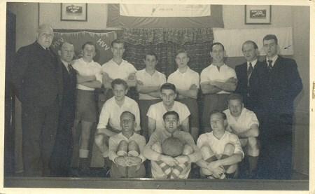 1952 v.v.Heukelum - In seizoen 51/52 promoveerde Heukelum via de promotiecompetitie naar de 4e klasse KNVB.