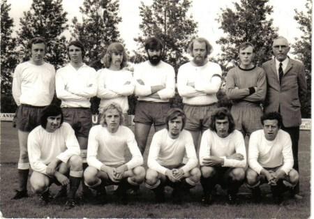 1972 v.v.Heukelum - Op 6 juni 1972 speelde Heukelum de finale van de Nieuwsbladcup tegen SVW. De Gorinchemmers wonnen met 2-0.
