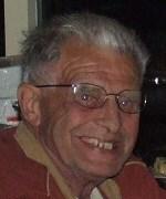 P. van Maaren lid van verdienste v.v.Heukelum