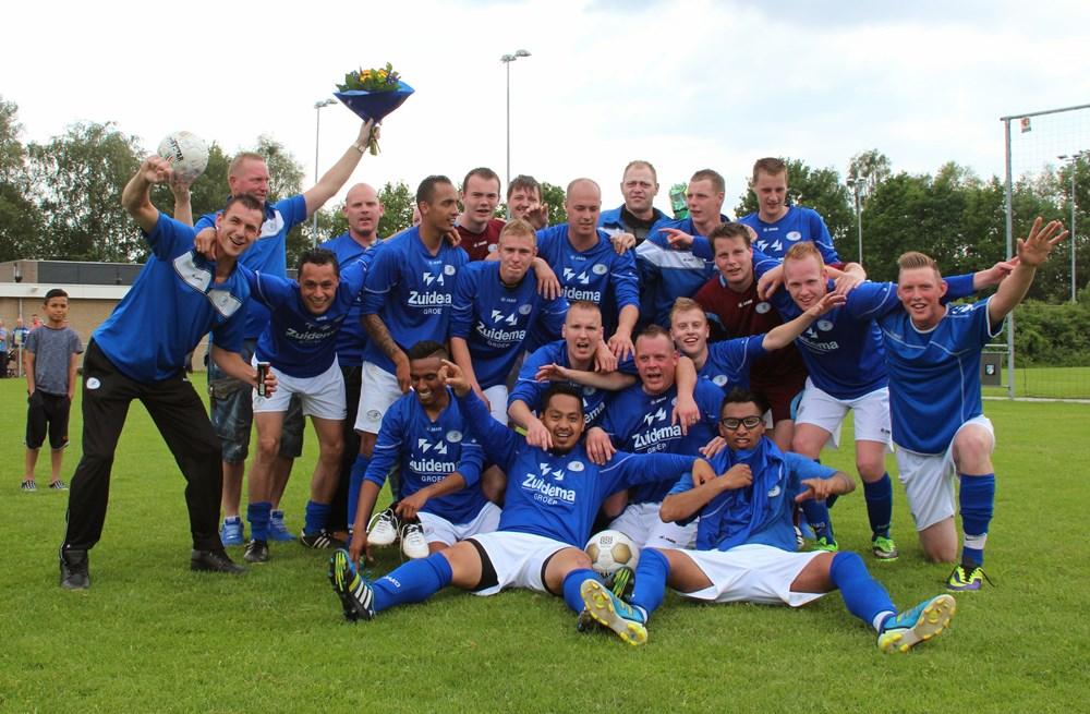 VV Hoogeveen promotie Hoogeveen zaterdag 2014