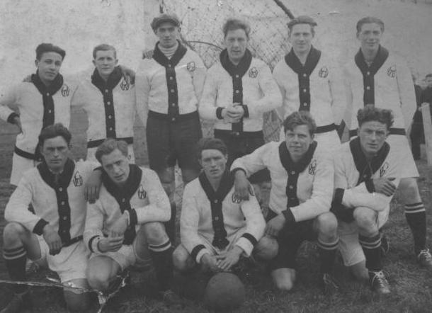 H.V.V._-_seizoen_1937-38.jpg