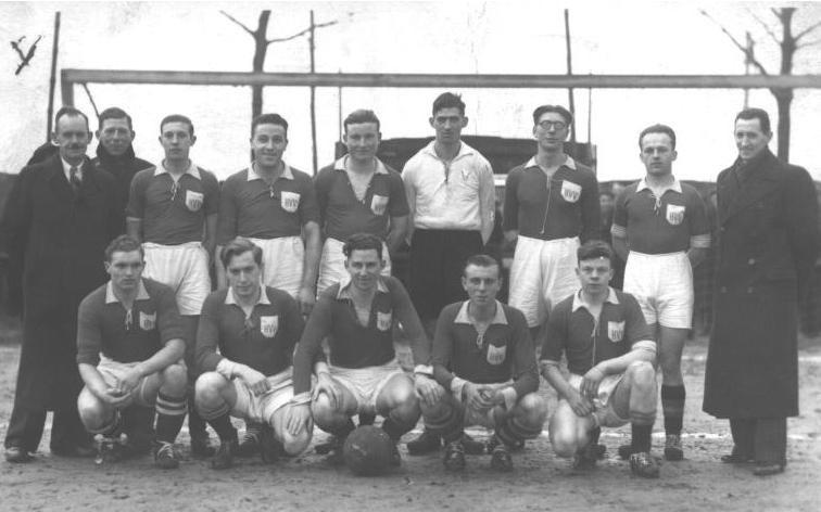 H.V.V._-_seizoen_1942-43.jpg