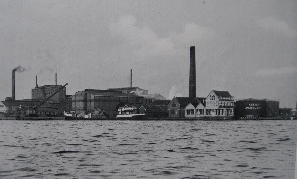Chemiebedrijf Ketjen in Amsterdam-Noord, circa 1930.