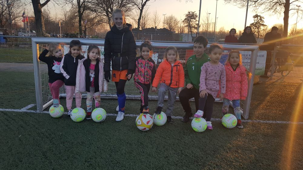 Training bambina's door jeugdspeelsters seizoen 2018-2019