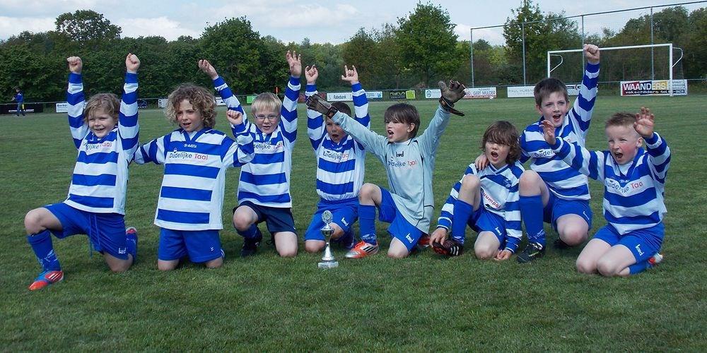 jeugdvoetbal-voetbalvereniging-oeken.jpg