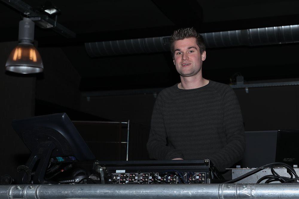 April - Joop van der Heijden LvV2018 - DJ Barend verzorgde de muziek