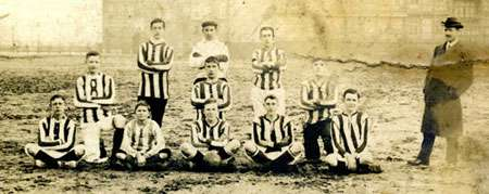 Het 1e team van TOG in 1909
