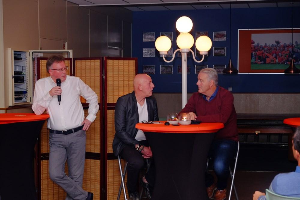 Herman Hobert in gesprek met trainer Hans de Koning