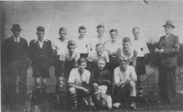 eerste_elftal_1945.jpg