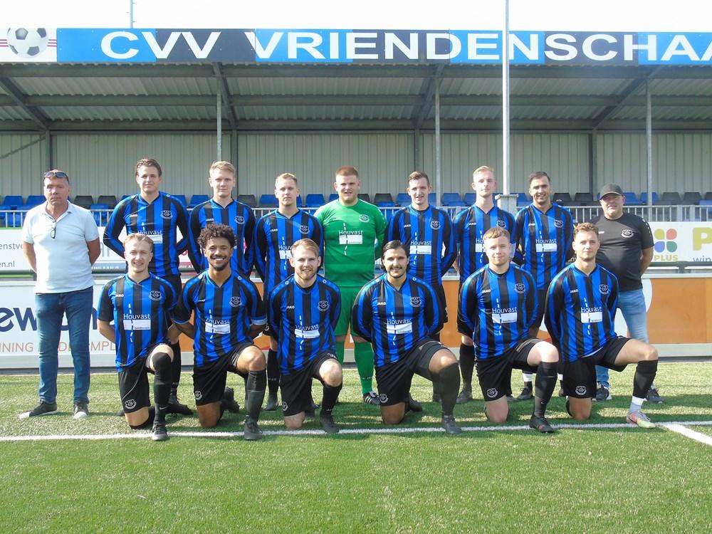 Tweede_elftal_2021_18-9.JPG